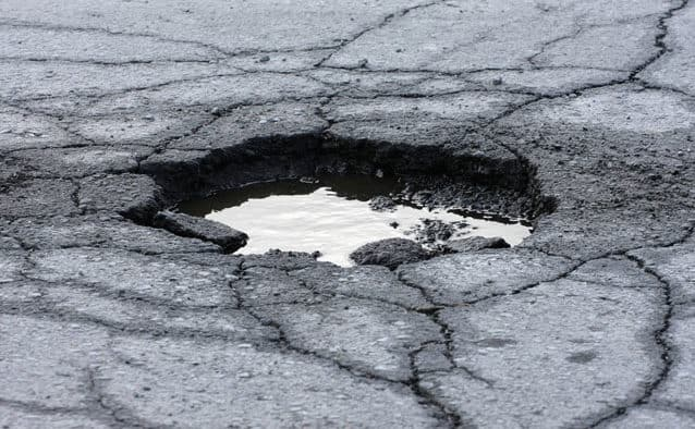 Spring driving: beware of the potholes!