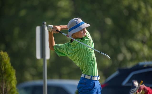 Mendon teen golfer celebrates successful summer season