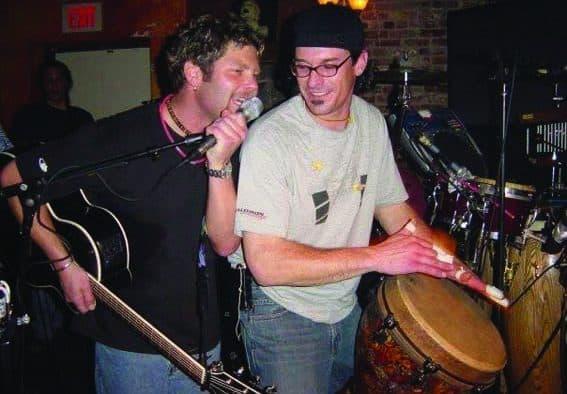 Mac & Jamie reunite at Pickle Barrel