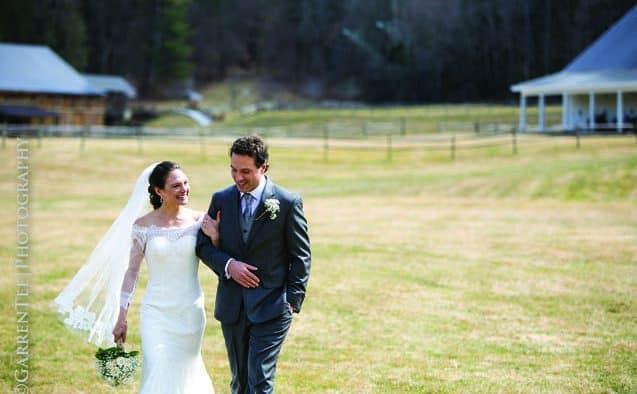 Lynn, Mikula wed
