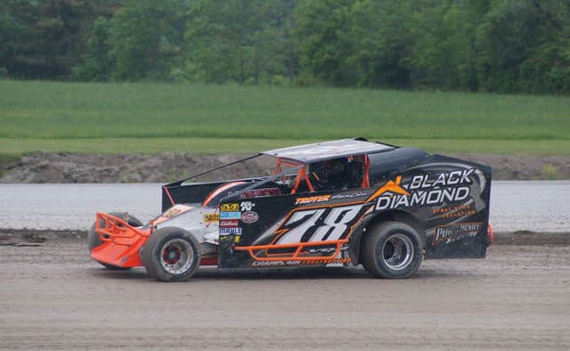 Hackel, Quenneville beat Mother Nature  for Devil's Bowl dirt track victories