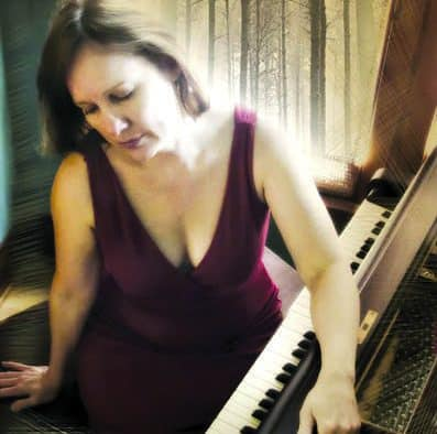Iris DeMent opens Chandler's 2016-17 season
