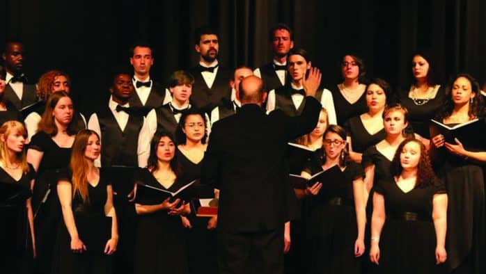 Green Mountain College sings holiday spirits