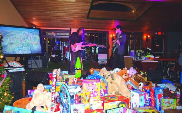 Teddy Arbo's holiday toy party celebrates 30 years, raises $30,000