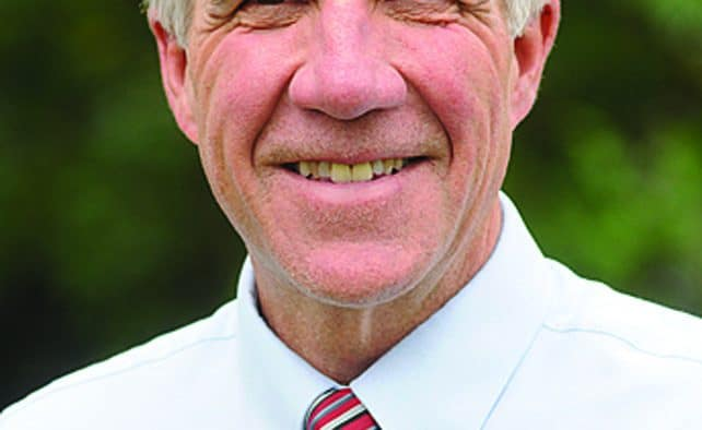 Governor addresses Rutland crowd at luncheon