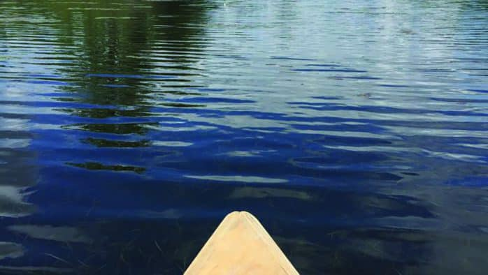 Paddling with the sisters of the single blade