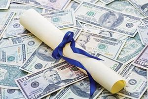 GKWC announces scholarship deadline for graduating seniors