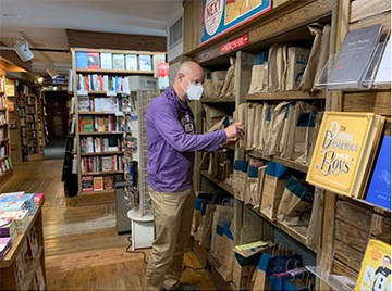 Local couple buys Northshire Bookstore